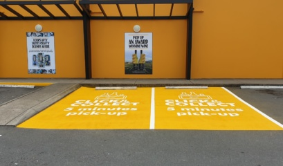 Customers Click And Collect Line Marking In Corporate